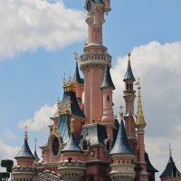 Disneyland Paris Guide. How to go, attractions, tickets