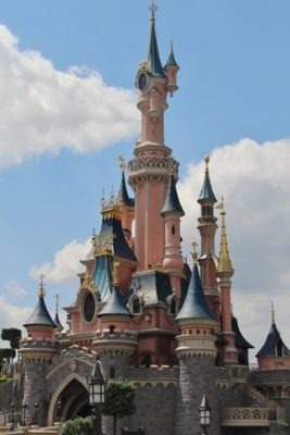 Disneyland Paris, all you need to know. How to get there, attractions, tickets, app