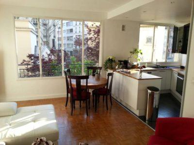 Apartment with garden in Paris