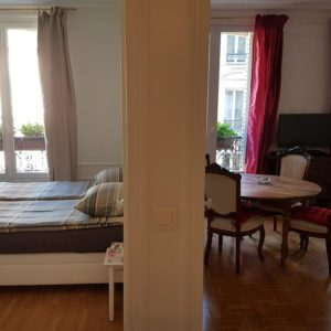 Apartment in front of Moulin Rouge, luminous accommodation in the city