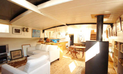 Why staying in a houseboat in Paris?