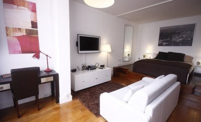 Open space apartment in Paris Champs Elysees