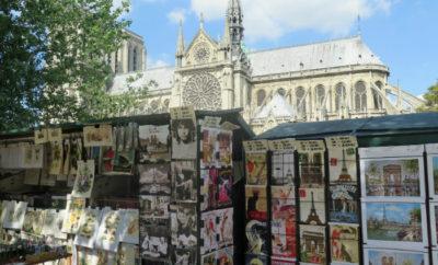 Bouquinistes of Paris, open-air bookstores along the Seine!