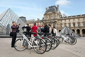 Paris by bike. Rentals and tours