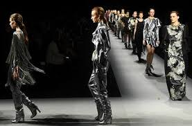 Fashionistas unite…online!