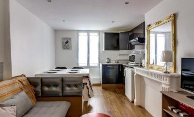 Short rental apartment in Rue de Rivoli