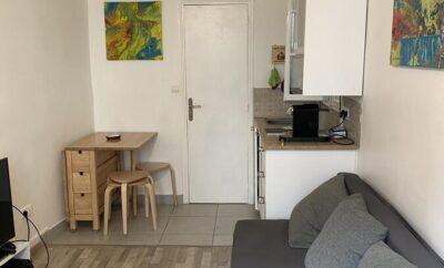 Tiny apartment in Paris arrondissement 20